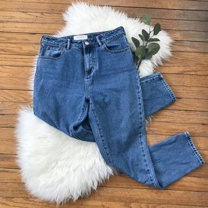 Pacsun Relaxed Fit High Rise Light Wash Mom Jeans